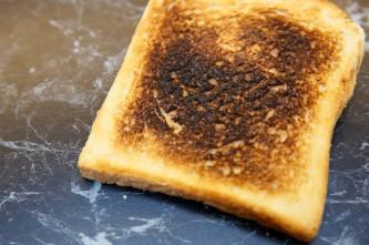 suck-toast